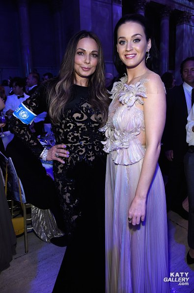 Katy Perry -  UNICEF's Snowfalk Ball