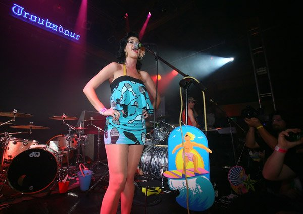 Katy Perry - GARNIER FRUCTIS ROCK YOUR STYLE! PARTY