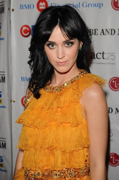 Katy Perry - FASHION CARES GALA AT THE METRO TORONTO CONVENTION CENTRE