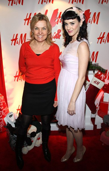 Katy Perry - H&M ARTIST LOUNGE AT JINGLE BALL 2008