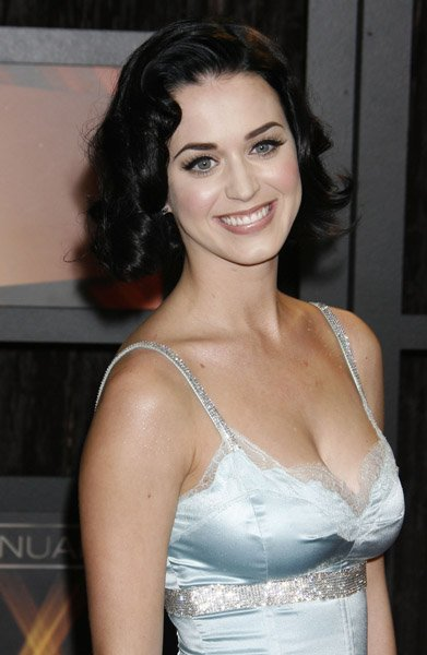 Katy Perry - VH1'S 14TH ANNUAL CRITICS CHOICE AWARDS - RED CARPET