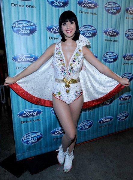 Katy Perry - AMERICAN IDOL SEASON 8 TOP 3 ELIMINATION SHOW