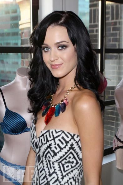 Katy Perry - VICTORIA'S SECRET FASHION WEEK