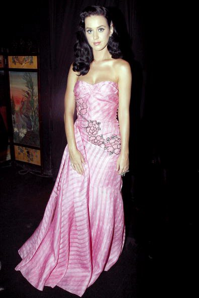 Katy Perry - JOHN GALLIANO SUMMER 2010 FASHION SHOW