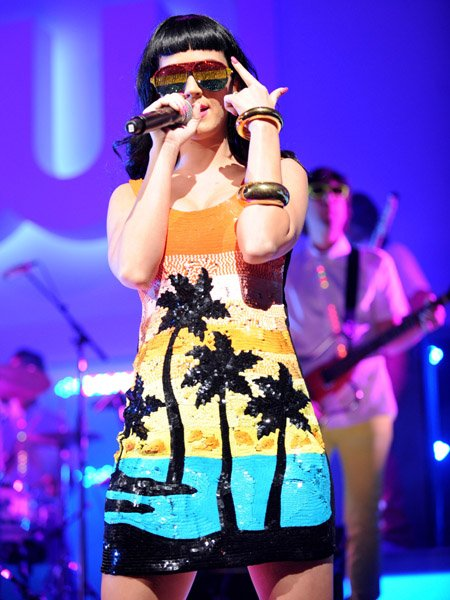 Katy Perry - THE CW NETWORK'S 2010 UPFRONT PRESENTATION