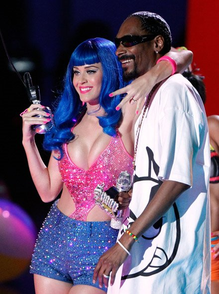 Katy Perry - MTV MOVIE AWARDS IN UNIVERSAL CITY 2010