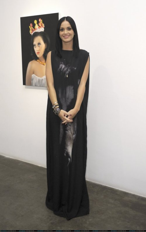 Katy Perry - MICHAEL KOHN GALLERY 25TH ANNIVERSARY SHOW IN LA