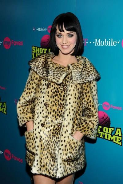 Katy Perry - T-MOBILE MYFAVES SHOT OF A LIFETIME SWEEPSTAKES, IN SCOTTSDALE