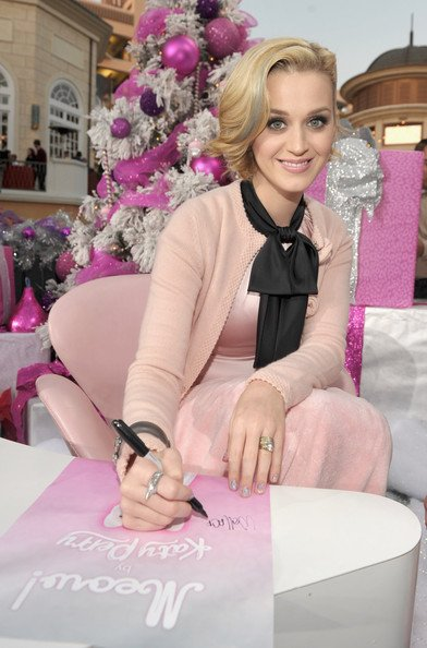 "Katy Perry - KATY PERRY FRAGRANCE LAUNCH FOR ""MEOW!"" IN LA"