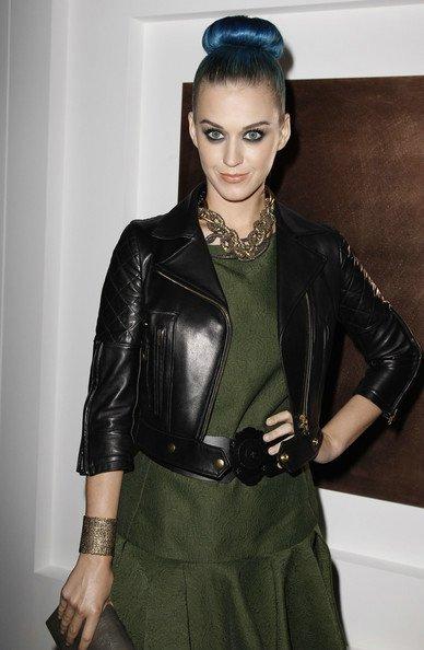 Katy Perry - PARIS FASHION WEEK WOMENSWEAR FALL/WINTER YVES SAINT LAURENT