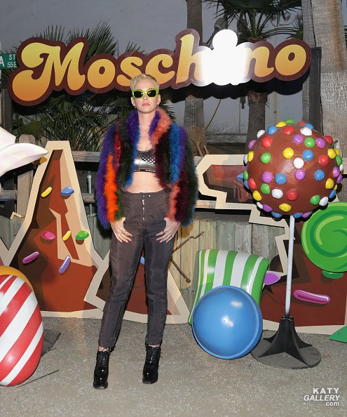 Katy Perry - MOSCHINO CANDY CRUSH PARTY