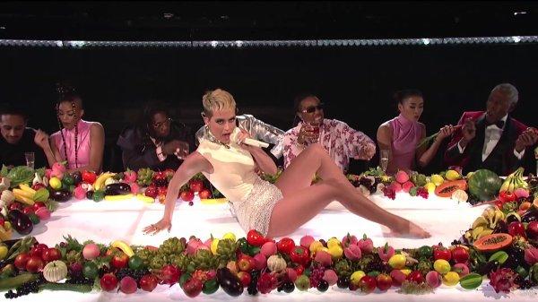 Katy Perry - SATURDAY NIGHT LIVE: BON APPÉTIT FT. MIGOS