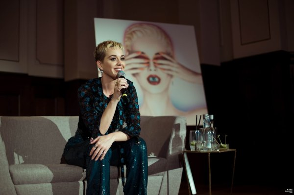 Katy Perry - LISTENING PARTY IN BERLIN