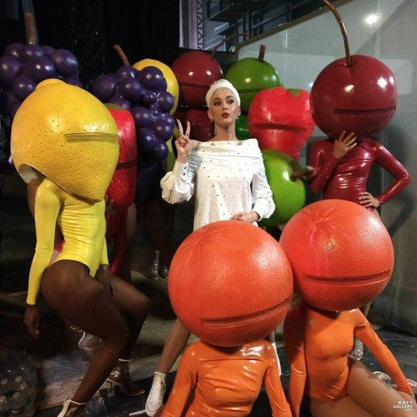 Katy Perry - THE VOICE FRANCE: BON APPÉTIT