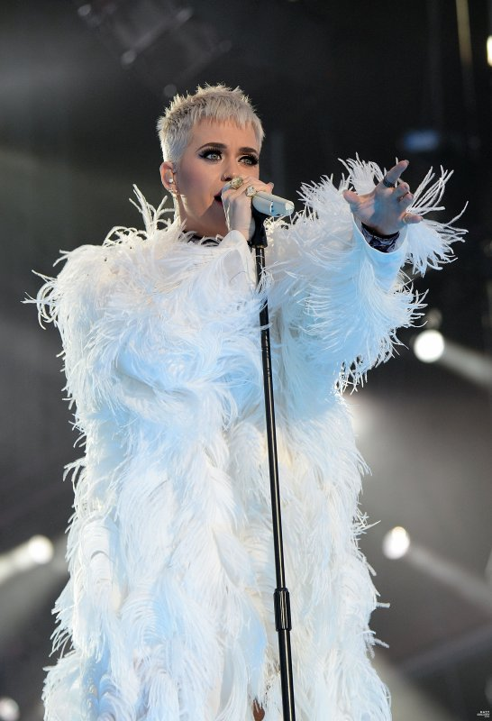 Katy Perry -  ONE LOVE MANCHESTER BENEFIT CONCERT