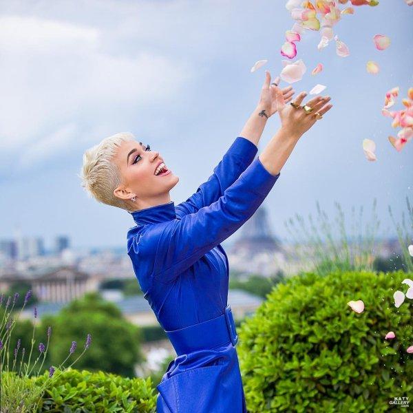 Katy Perry - PARIS