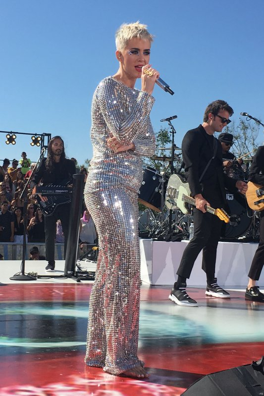 Katy Perry - AT THE WITNESS WORLD WIDE FINALE CONCERT IN LOS ANGELES
