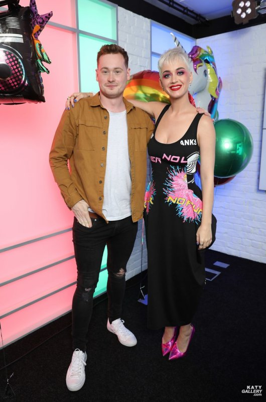 Katy Perry - KISS FM STUDIO'S IN LONDON