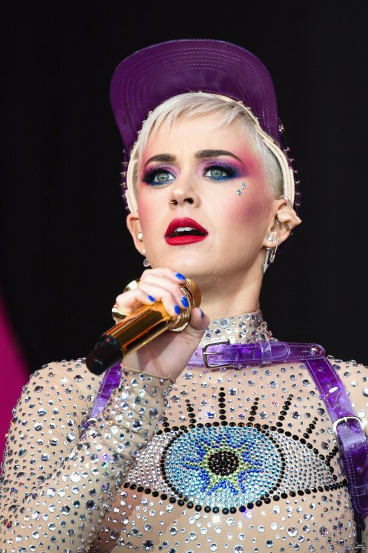 Katy Perry - GLASTONBURY FESTIVAL 2017