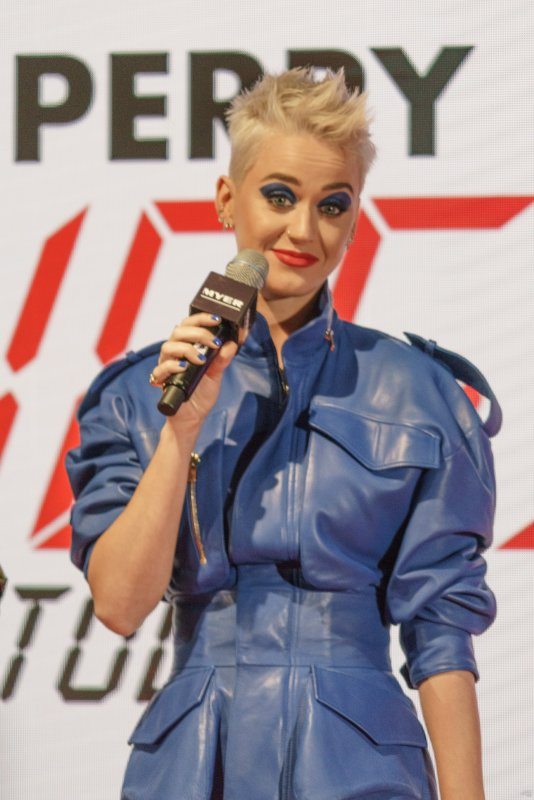 Katy Perry - EVENT AT MYER'S STORE IN SYDNEY