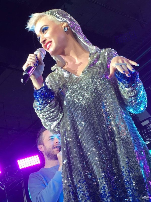Katy Perry - OPERA HOUSE IN SYDNEY, AUSTRALIA