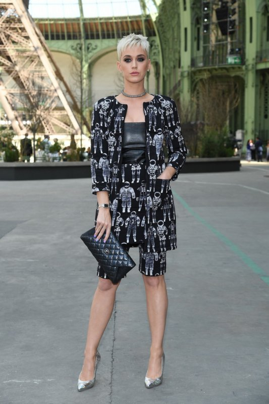 Katy Perry - CHANEL FASHION EVENT IN PARIS