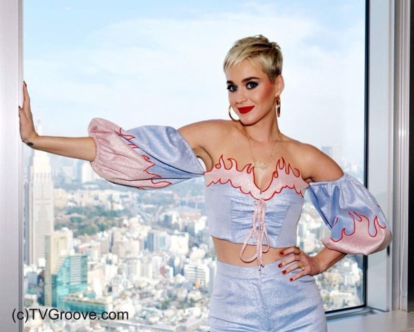 Katy Perry - TV gurūvu・dotto・komu au Japon 25/03/2018
