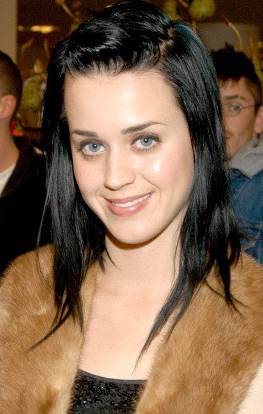 Katy Perry - CHANDON - HOLLYWOULD DRESS LAUNCH PARTY 01/12/2004