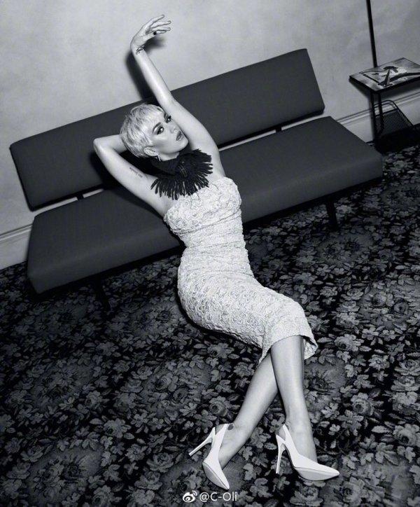 Katy Perry - Covergirl caméléon - Vogue - Australie 17/07/2018.