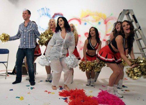 Katy Perry - BBC Radio 1's Scott Mills Show 04/09/10