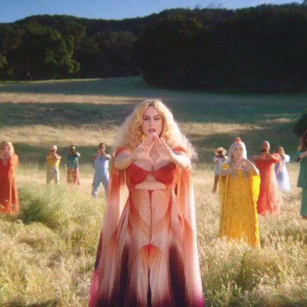 "Katy Perry - Clip ""Never Really Over""- 30/05/2019"