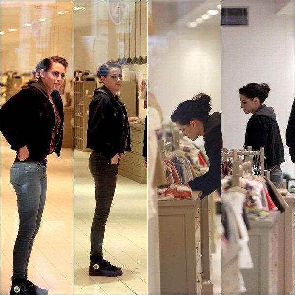 (103)31/01/2012● Kristen ce matin dans Paris allant faire un shooting à l'Opéra Garnier Vidéo  Le retour du Blackberry pour Kristen