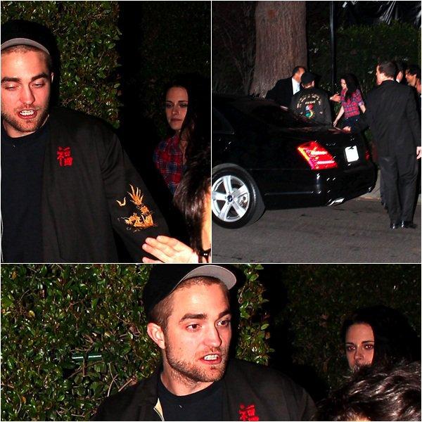 (132)24/02/2012● Nina à l'aéroport de Los Angeles  Elle était aussi accompagnée de son boyfriend Ian Somerhalder