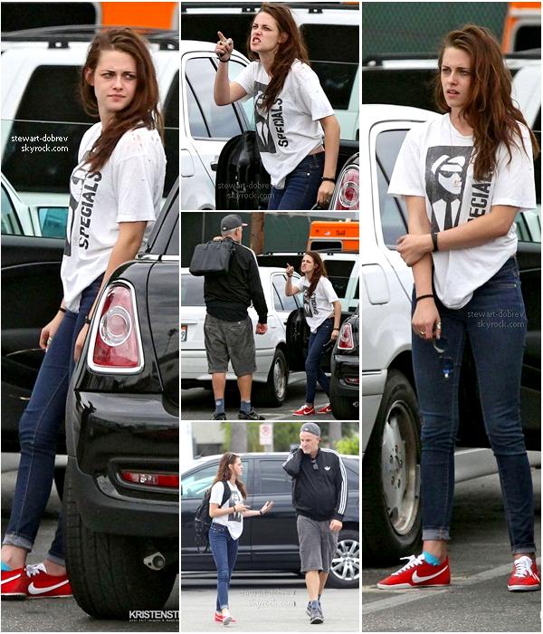 """(285)27/07/2012●• Une courte vidéo de Nina ou on la voit poser pour """"Fashion magasine"""""""
