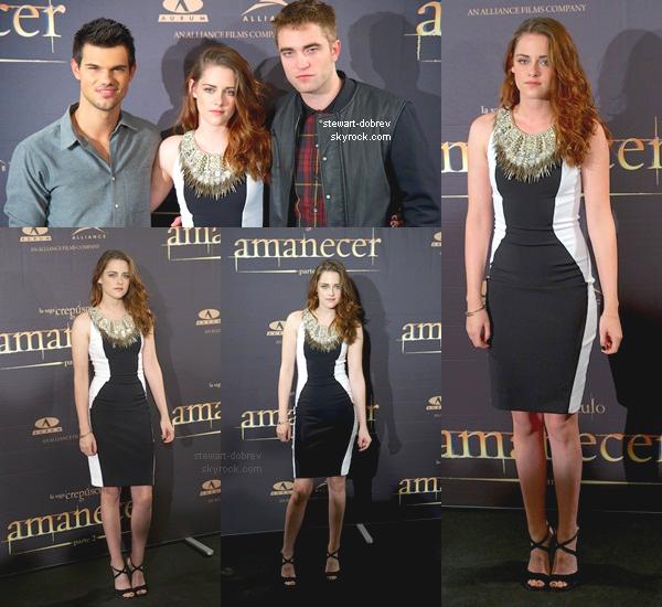 (355)15/11/2012▲▼ Aujourd'hui ils étaient présents à la conférence de press de Madrid.  Kristen portait une Julien Macdonald robe et des chaussures Jerome C. Rousseau. Elle fait coincée sur les photos.