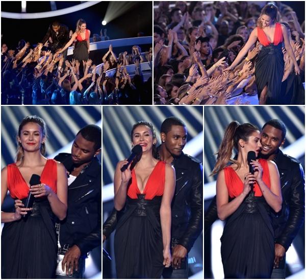 (691)24/08/2014  EVENT | 24/08/2014 _• Nina c'est rendue au « MTV Video Music Awards » à Los Angeles. La belle a foulée le tapis rouges des MTV Video Music Awards, le 24 août dernier. Elle si est rendue pour remettre le prix à la chanteuse Lorde. Nina portait une magnifique robe Zuhair Murad et arborait un make-up on ne peut plus jolie ainsi qu'une élégante coiffure, simple et élégante.___________________________-________L'article sera compléter par la suite.