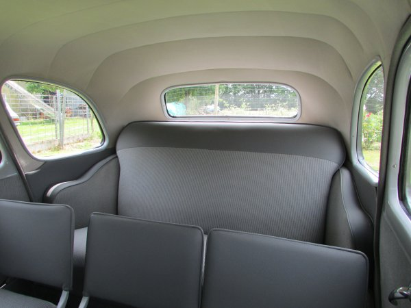 ma passion des voiture ancienne entièrement rénové par mes soins