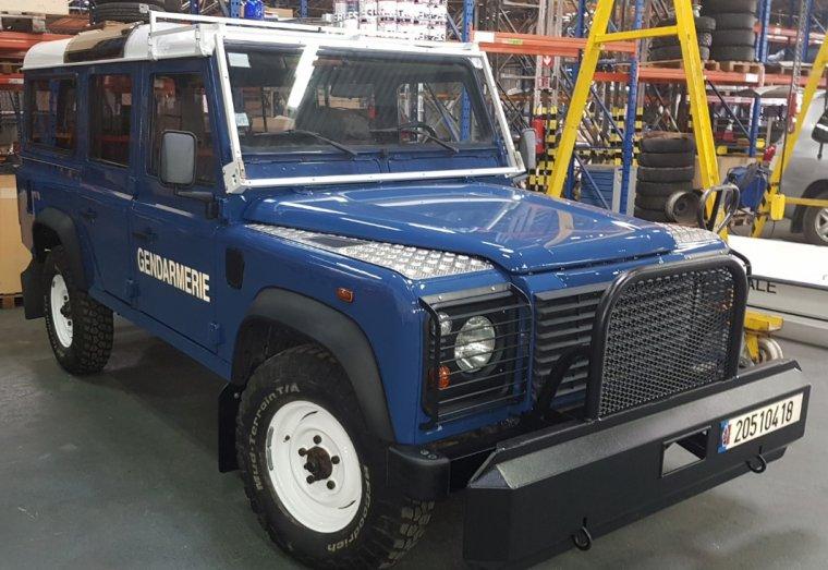 Gendarmerie Nationale - Land Rover Defender