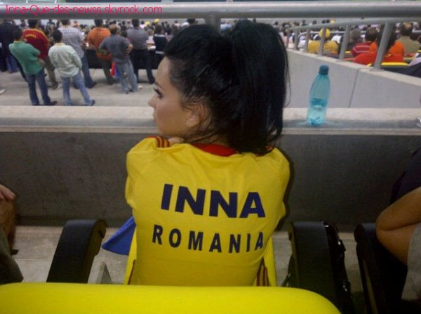 INNA  a bien chanté sur le stade de Roumanie hier soir sur M6 lors du match Roumaine France ( 0 - 0 ) !! Ecoute ça !!