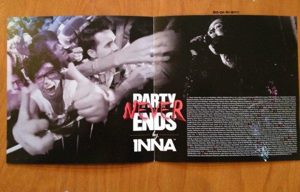 [ Article du 26 mars ] Ca y est l'album est sorti au Mexique ( 14eme itunes ) et en Italie ( pas bien classé ). Découvrez quelques photos d'un fan qui  a acheté l'album en edition standard ( 16 titres ).