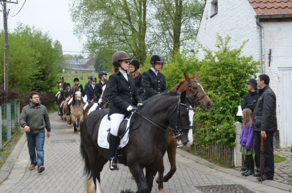 Nessie de bruile procession du 6 mai