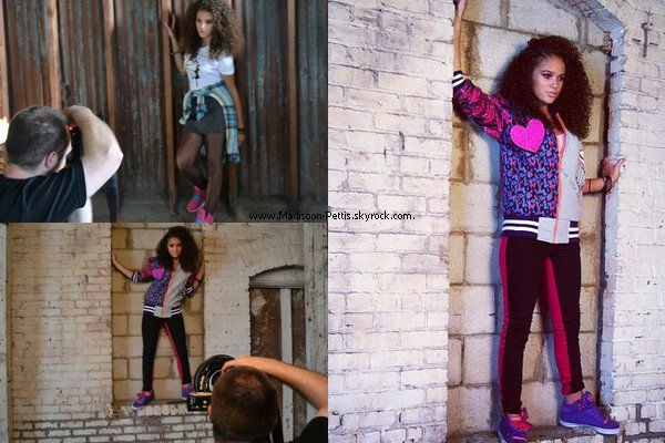 .   19 Mai 2012 : Madi été présente à la pré-écoute de l'album Paradise de son ami Cody Simpson , à LA .  Top ou Flop votre avis. .