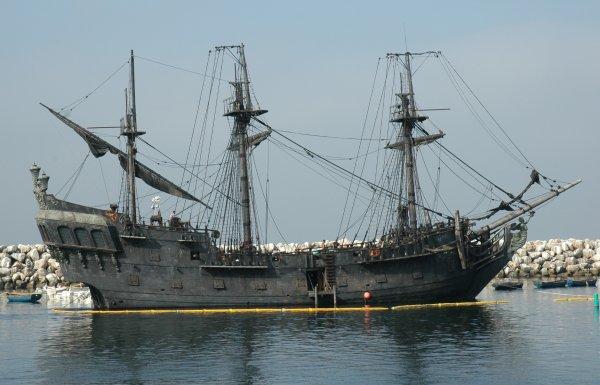 bateau jack sparrow