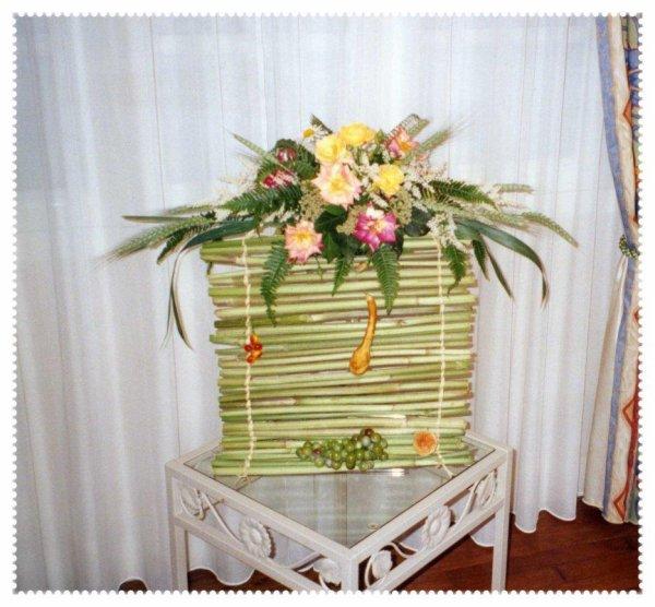 Bouquet sur Rideau de Bambou