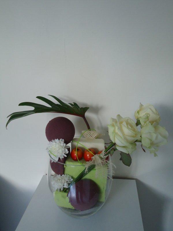 3 roses et leur ombrelle