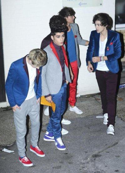 One Direction : Quelques photos de leur passage sur X-Factor .