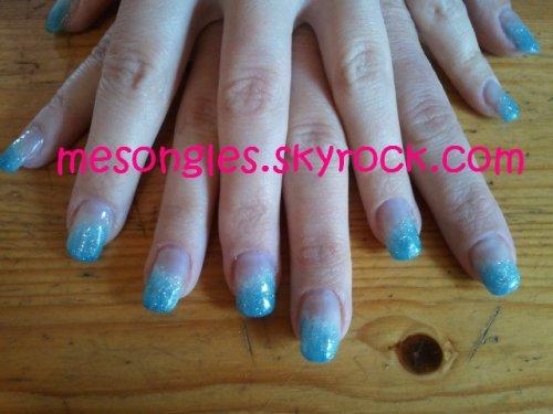 ''Marbrage'' de bleu et blanc + ajout de paillettes