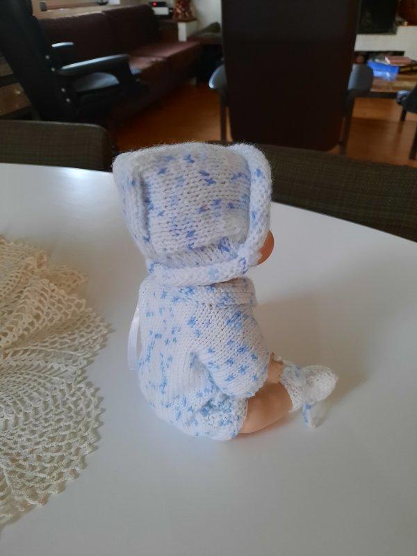 Bonnet pour Bambino ! avec un peu de persévérance !!!! pour Marie-Thérèse mais pas que....