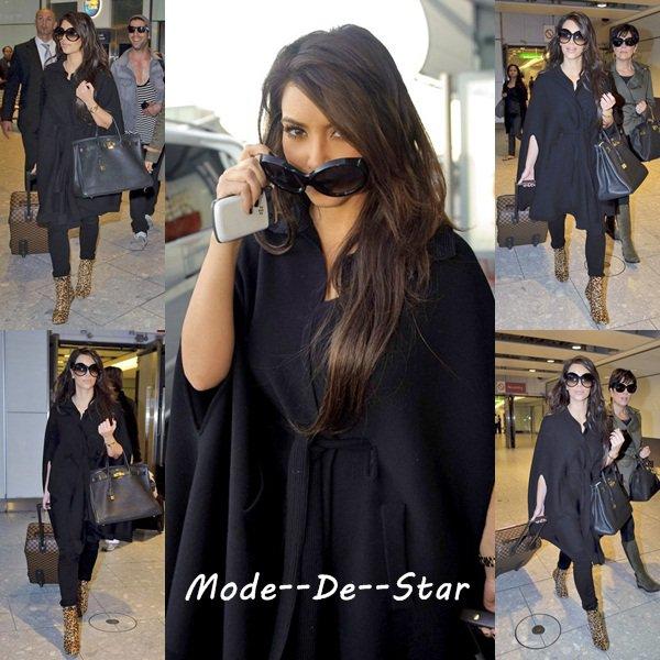 Kim Kardashian & Kris Jenner a Heathrow Airport a Londre