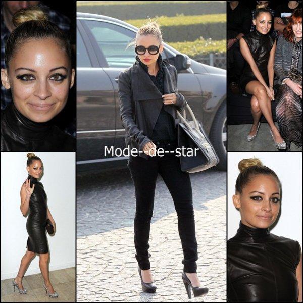 Nicole Richie a la Fashion Week 2011 de Paris : Personellement je n'aime pas trop la robe en cuir :\ Mais sa tenue de dehors j'aime c'est simple ^^